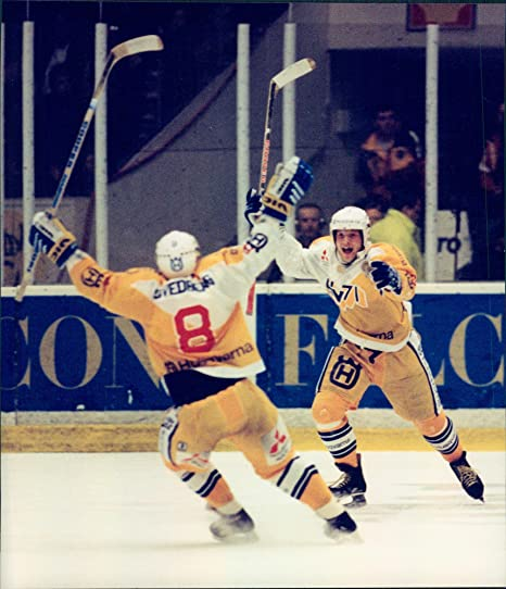 Amazon.com  Vintage photo of Ice Hockey final HV-71 Swedish champion   Entertainment Collectibles f41be1063