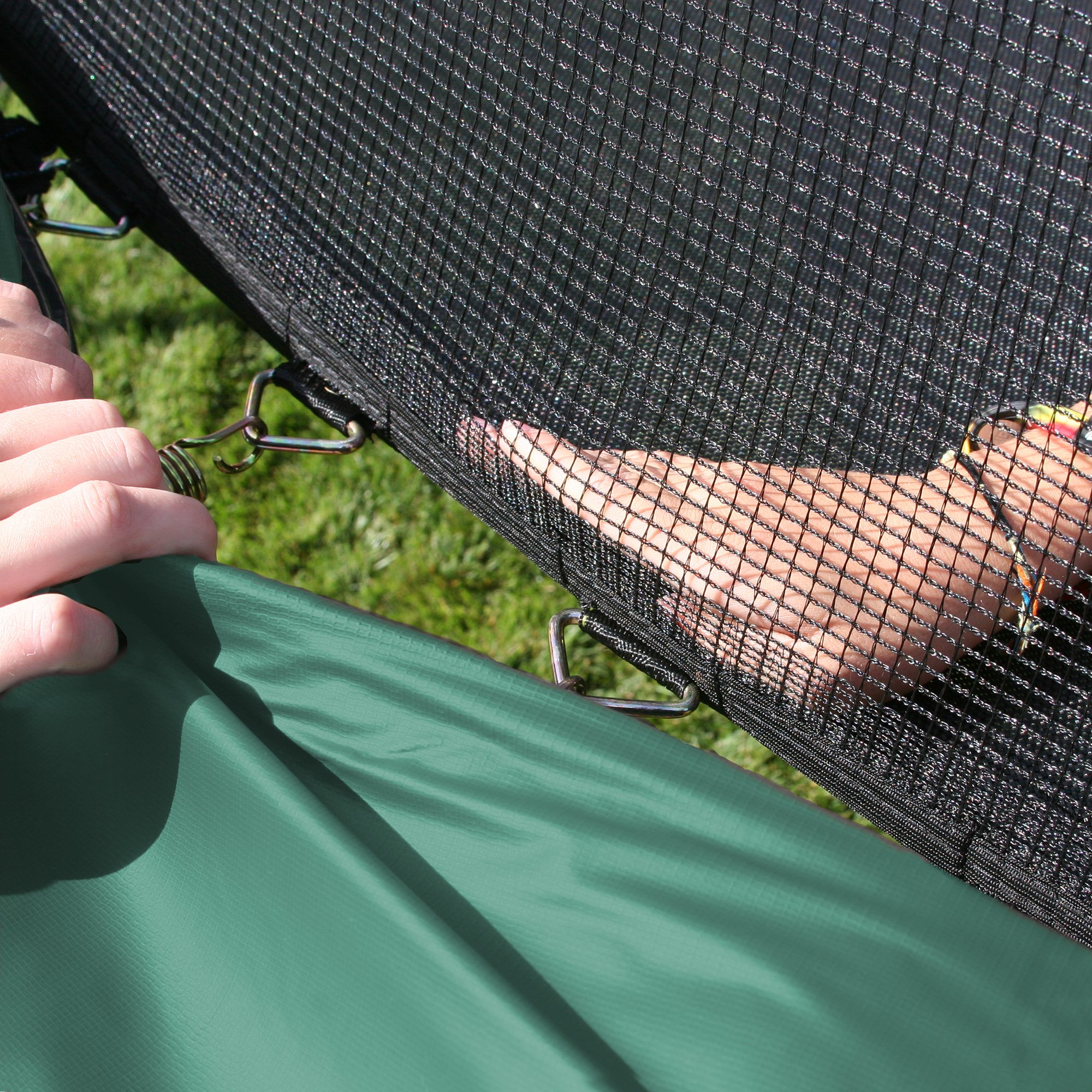 Skywalker 12-Feet Round Trampoline and Enclosure Combo with Spring Pad, Green by Skywalker Trampolines (Image #4)