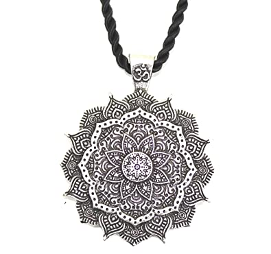 Collier Pendentif Amulette Fleur Mandala Geometrie Sacree Lotus Om