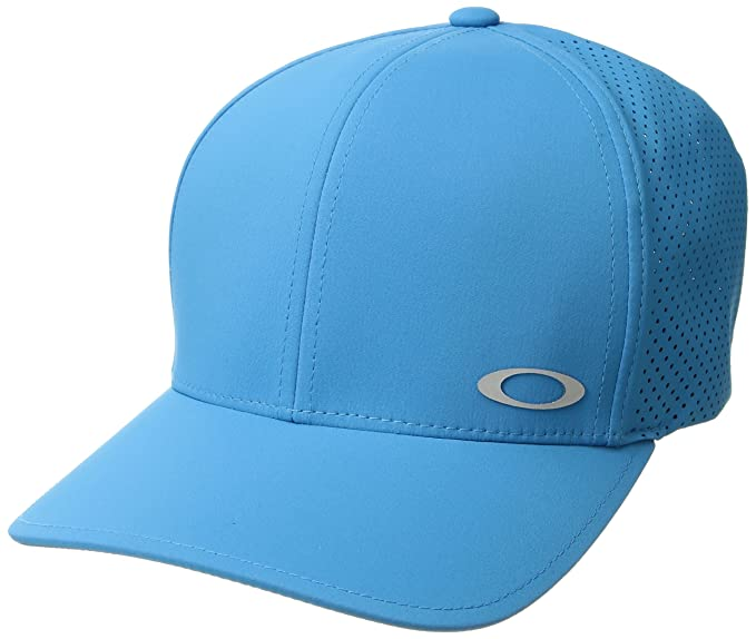 aeac9b3faa7 Oakley Men s Aero Perf Flexfit Hats at Amazon Men s Clothing store