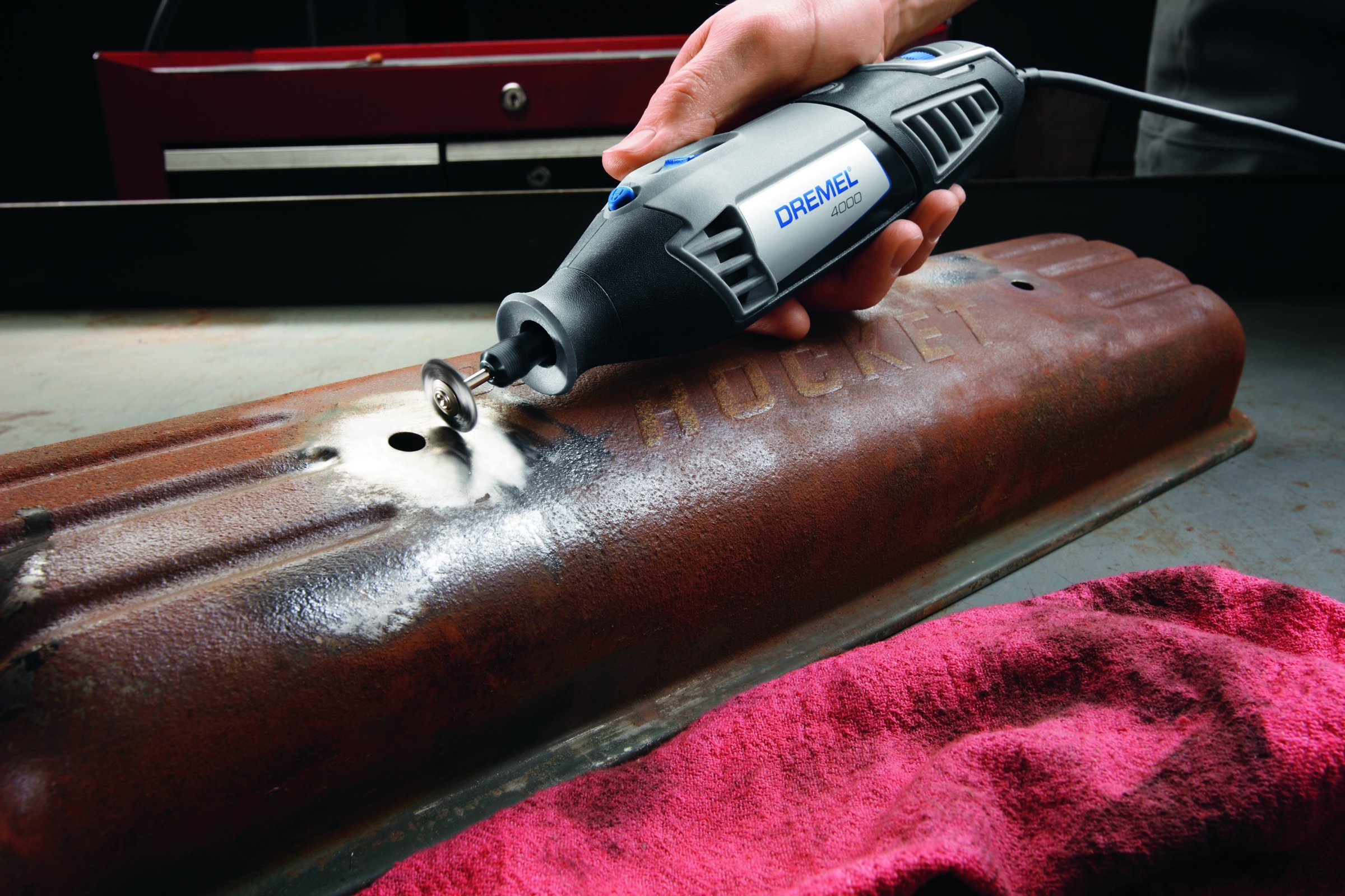 Dremel 4000-6/50 120-Volt Variable-Speed Rotary Tool with 50 Accessories by Dremel (Image #3)
