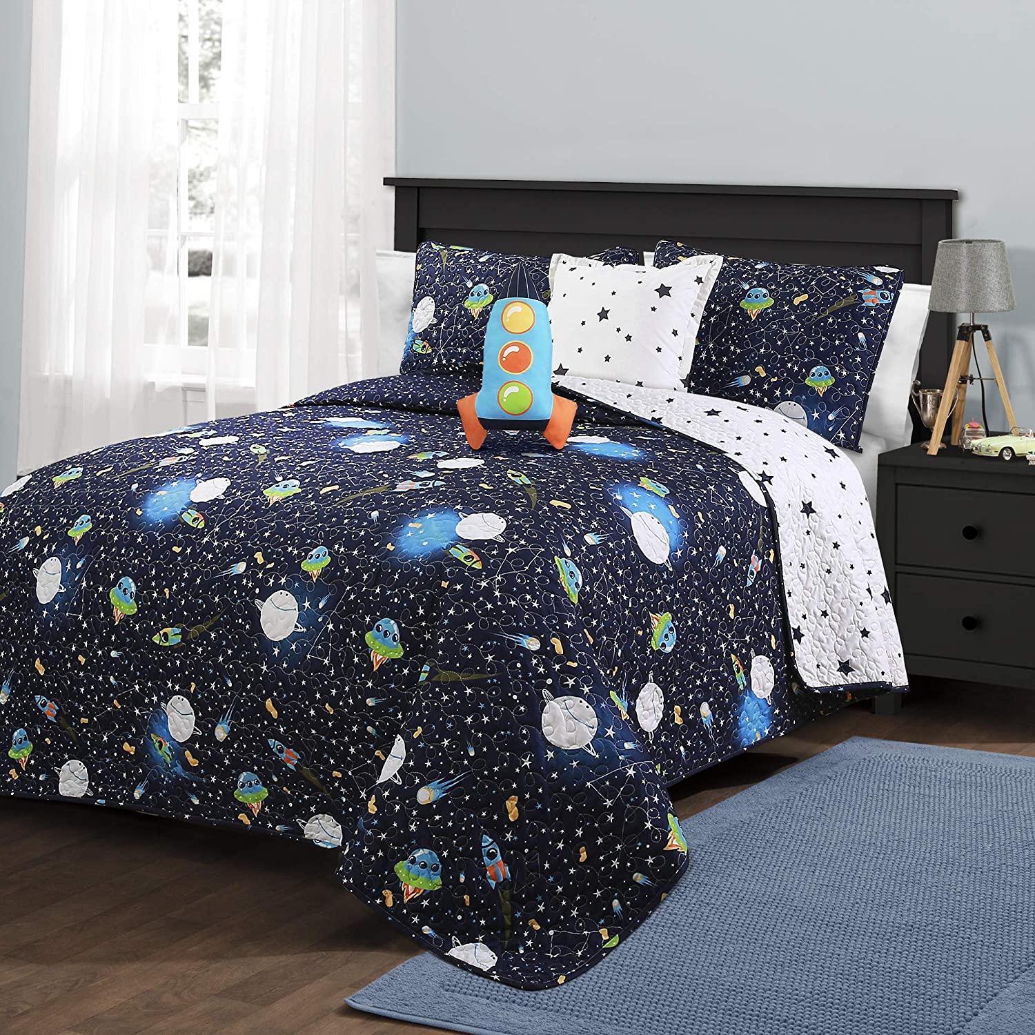Lush Decor Universe Quilt | Outer Space Stars Galaxy Planet Rocket Reversible 4 Piece Bedding Set for Kids-Full Queen-Navy