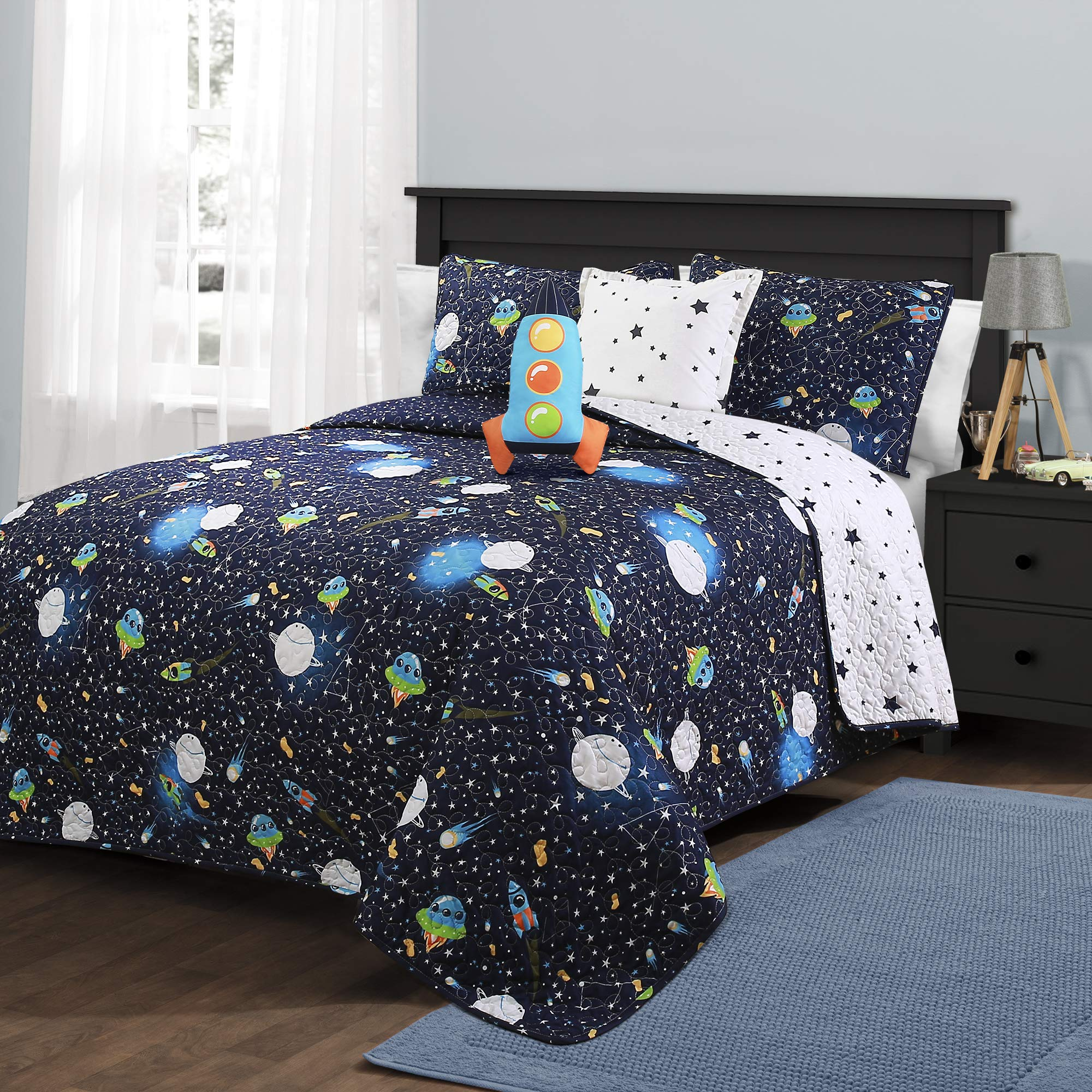 Lush Decor Universe Quilt | Outer Space Stars Galaxy Planet Rocket Reversible 4 Piece Bedding Set for Kids-Full Queen-Navy by Lush Decor