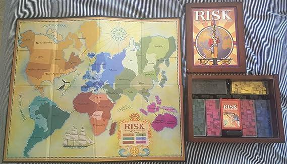 Hasbro Risk in Vintage Wood Book Edition: Amazon.es: Juguetes y juegos