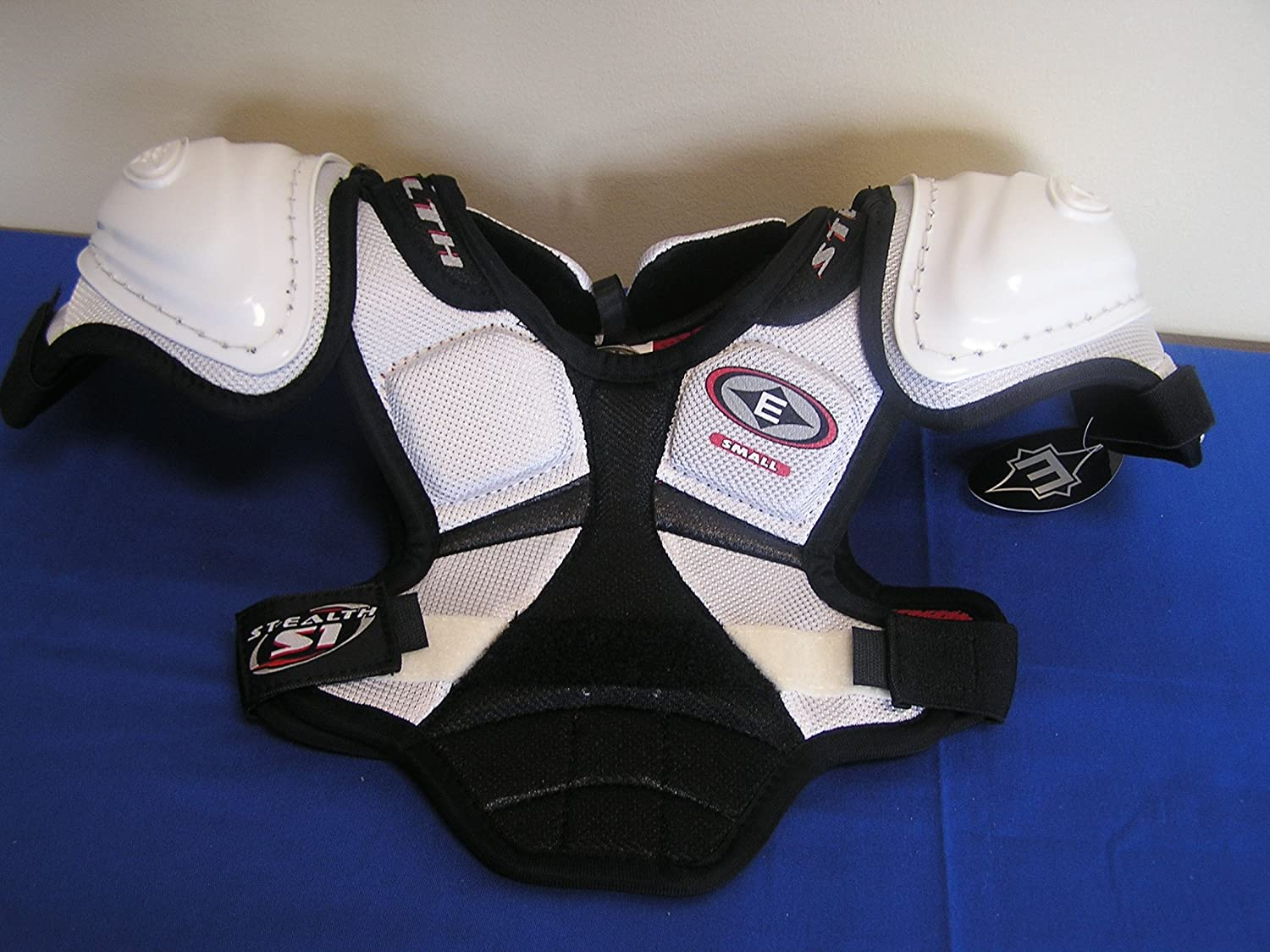 Easton Stealth S1 Youth Hockey Shoulder Pads Size Small : Field Hockey Protective Gear : Sports & Outdoors