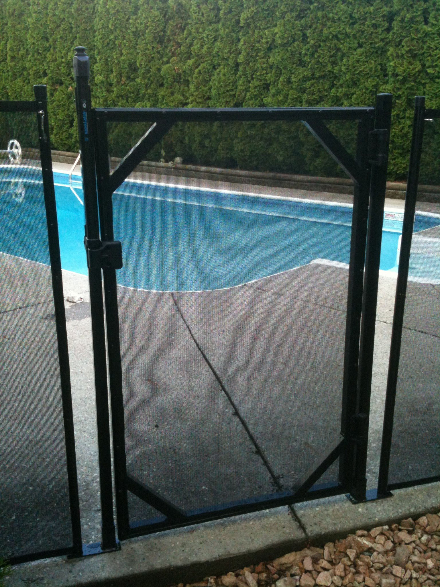 Water Warden WWG201 4 Foot Pool Gate, 4' (48'' H) Black