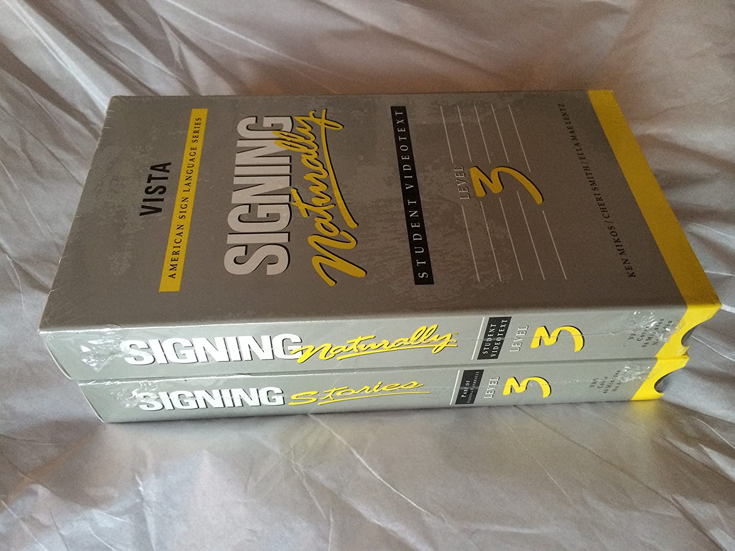 Amazon.com: Signing Naturally Student Videotext - Level 3: Ken ...