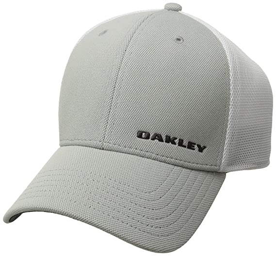 06c9a5183c1 Oakley Men s Silicon Bark Trucker 4.0 at Amazon Men s Clothing store