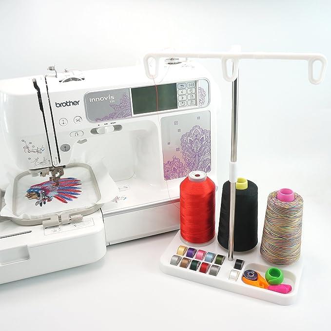 New brothread Soporte de bobina de hilo de bordar - 3 Carretes de Hilo Soporte para máquinas de bordar, coser, acolchar y serger - Tres colores para la ...