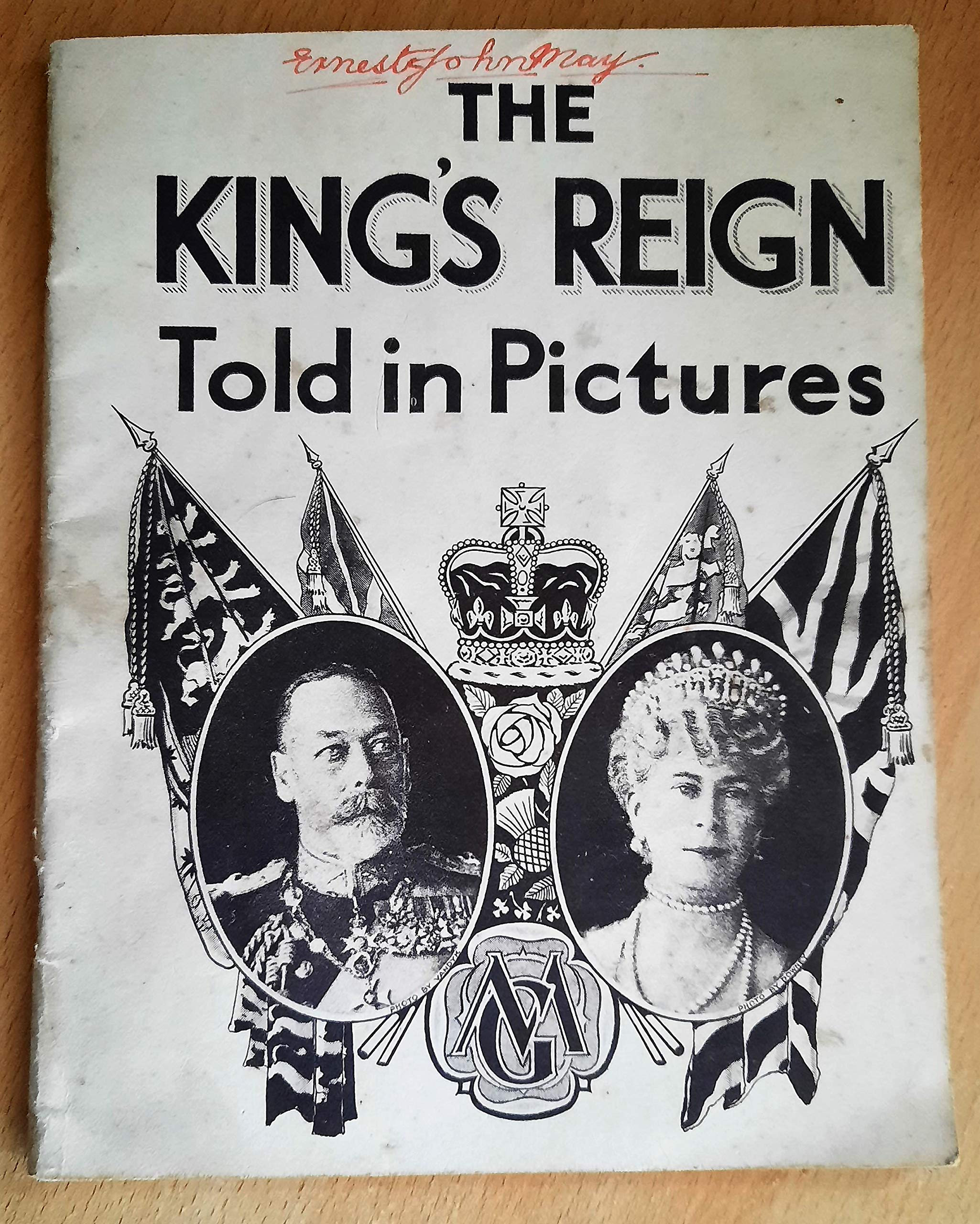 Vintage The Kings Reign Told In Pictures