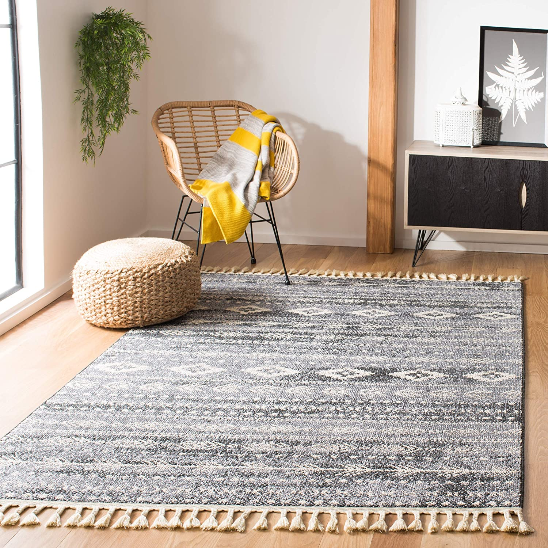 Amazon Com Safavieh Marrakech Collection Mrk751n Handmade Moroccan Boho Tribal Tassel Area Rug 5 3 X 7 6 Navy Grey Furniture Decor