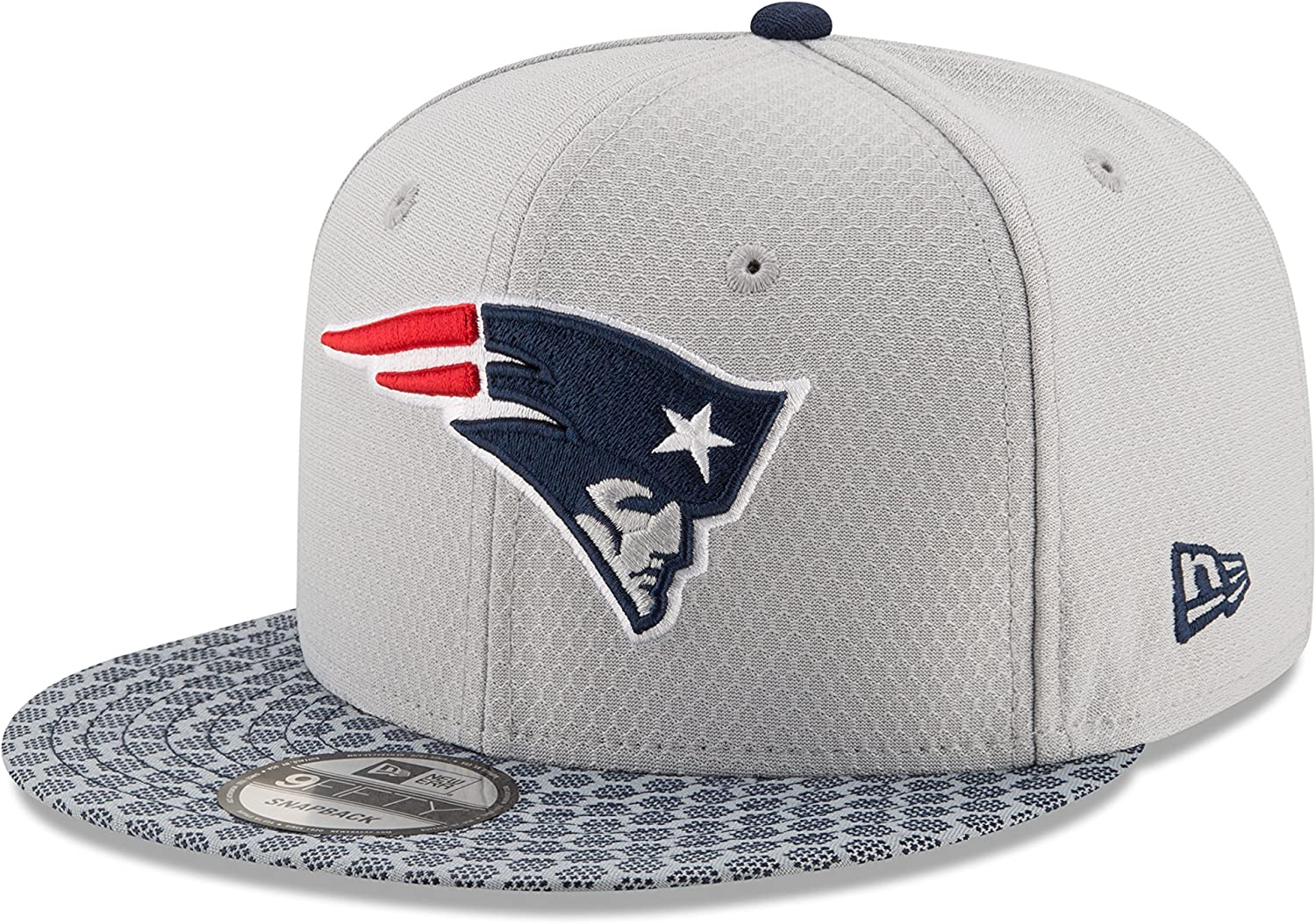 New Era 59Fifty Hat New England Patriots NFL 2017 On Field Sideline Fitted Headwear Cap