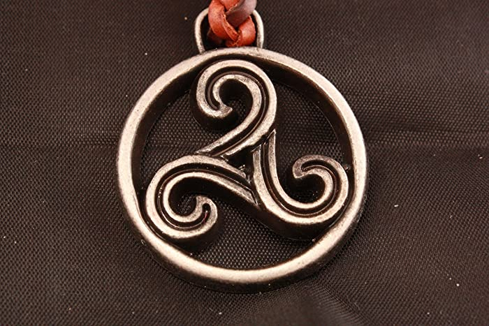 Llavero Celta de Cuero trenzado en Zamak cromo envejecido y acero, Triskel (trisquel)