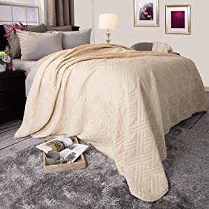 Lavish Home Solid Color Bed Quilt, Twin, Ivory