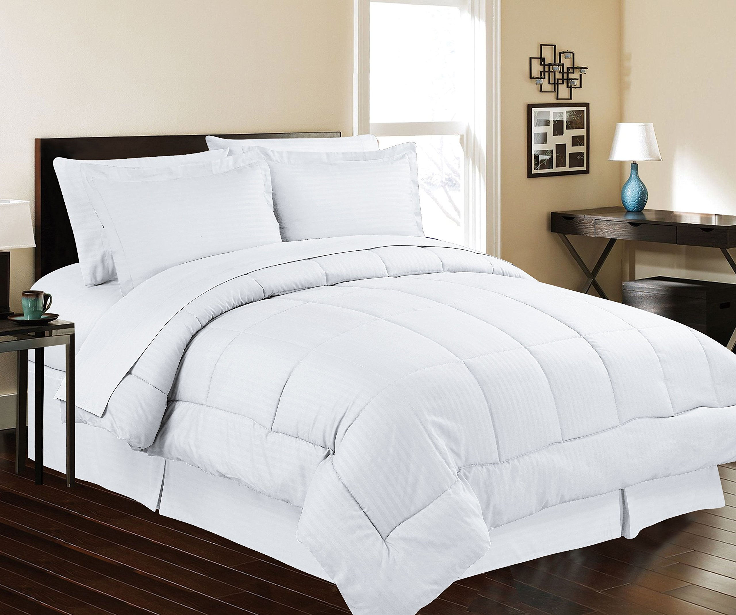 Décor&More Hotel Collection Queen Size 8 Piece Bed in a Bag Down Alternative Comforter Set - White