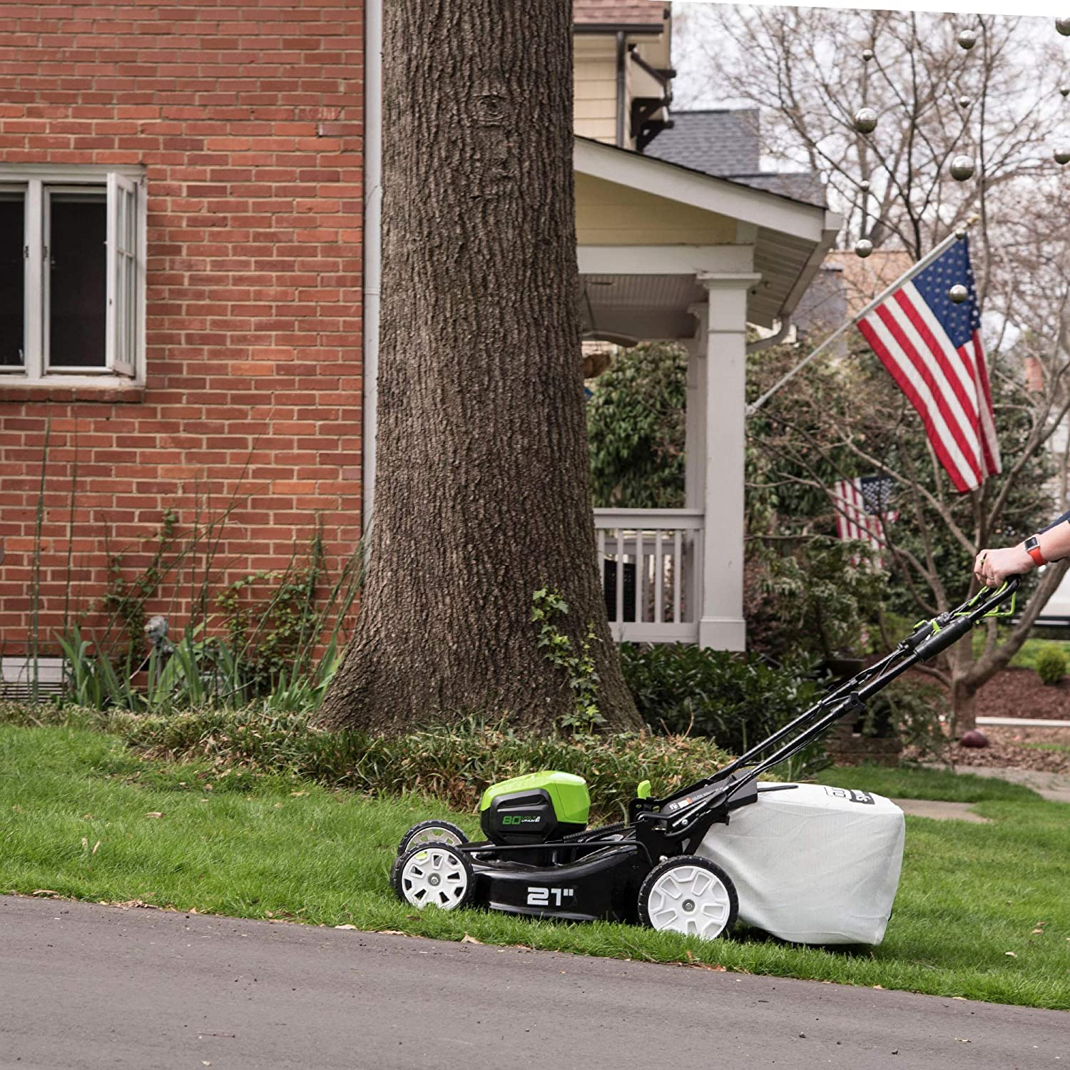 Greenworks PRO MO80L00 Cordless Self-Propelled Lawn Mower