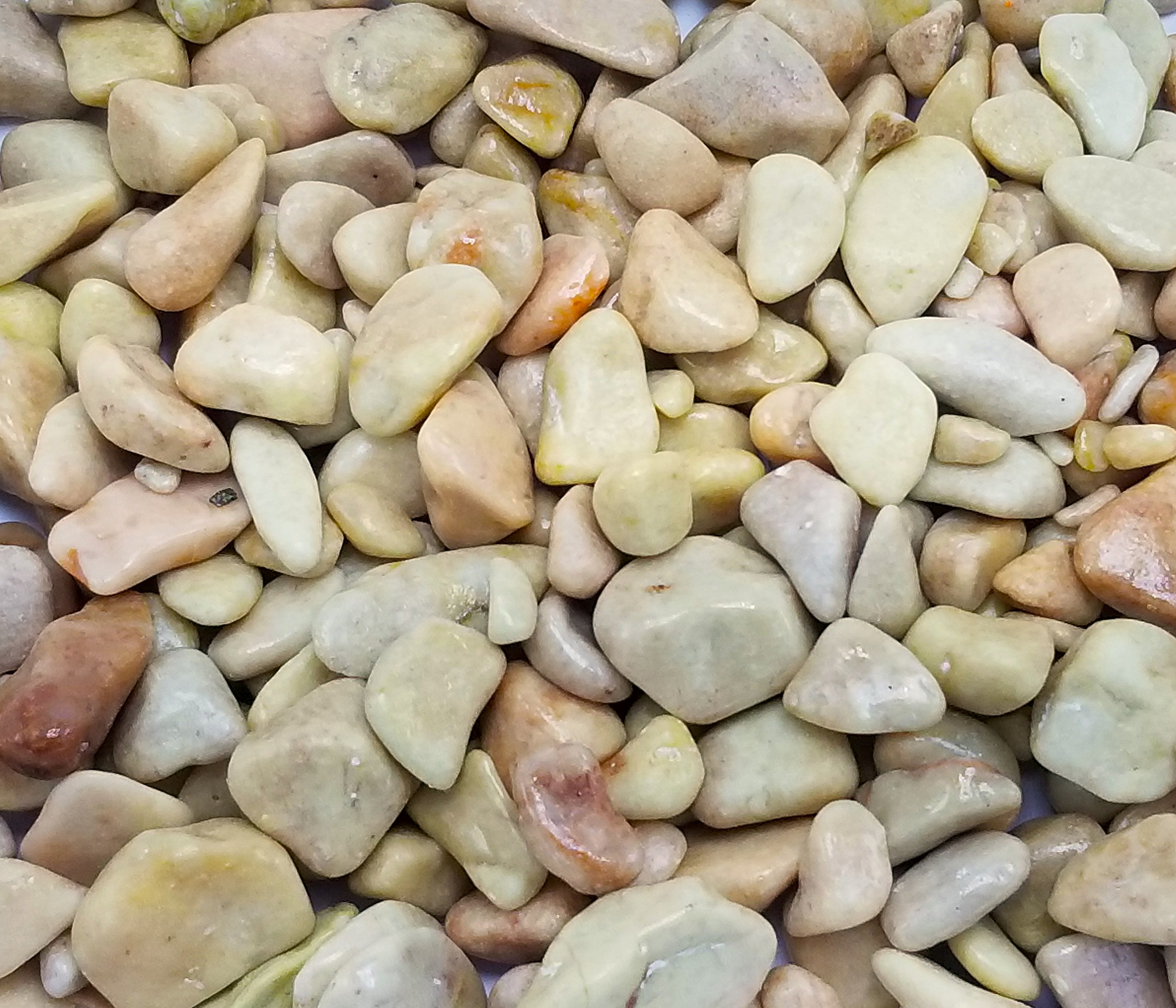 Exotic Rose Pebbles (1.65lbs Bag) 7-15mm Beach Pebble Stone Rocks / Polished Pebbles Terrarium, Aquarium, Decoration, Landscape, Succulents (Outdoor & Indoor), Home / Garden, Vase or Pot Fill