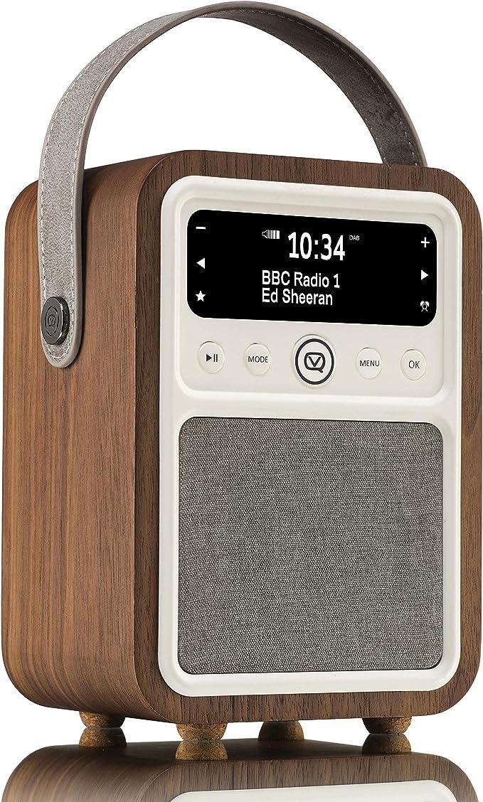 VQ Monty Radio numérique portable DAB & DAB+ avec FM, Bluetooth et réveil dans Cas en Bois Véritable Noyer