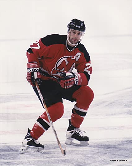 Amazon.com   Scott Niedermayer New Jersey Devils Unsigned Hockey Photo    Everything Else ee3620d2b