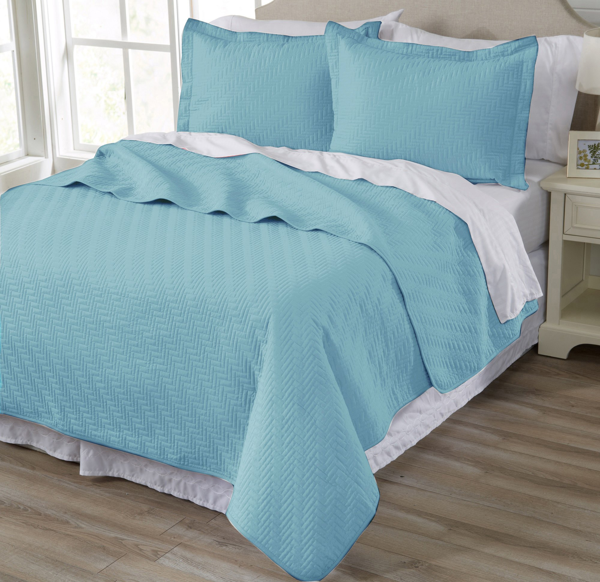Home Fashion Designs 3-Piece Luxury Quilt Set with Shams. Soft All-Season Microfiber Bedspread and Coverlet in Solid Colors. Emerson Collection Brand. (King, Nile Blue)