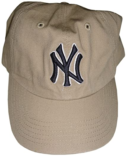 Amazon.com  Womens Forty Seven Brand Yankees Hat Ball Cap Beige ... d82f54e729d