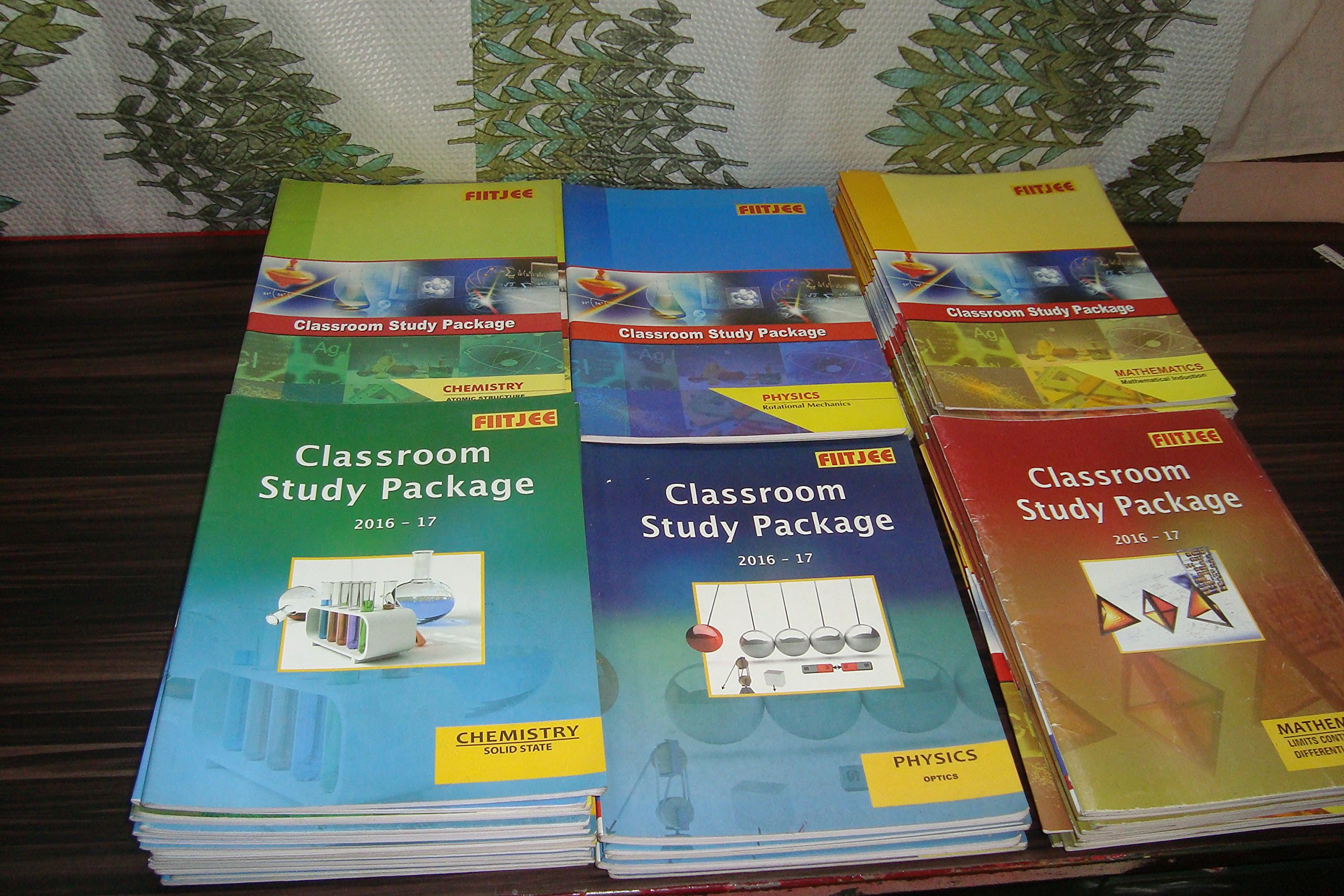 Amazon in: Buy FIITJEE 11th & 12th classroom study package