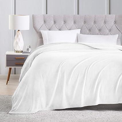 Amazon.com  EXQ Home Queen Size White Fleece Blanket Cozy Microfiber ... 5e878468b