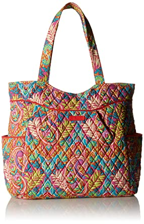 8a5180708c Amazon.com  Vera Bradley Pleated Tote