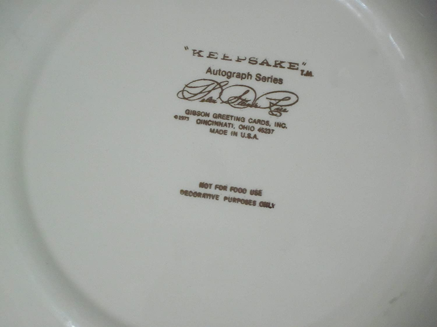 Amazon keepsake autograph series flowers leave their amazon keepsake autograph series flowers leave their fragrance on the hand that bestows them helen steiner rice 10 decorative plate everything m4hsunfo Choice Image