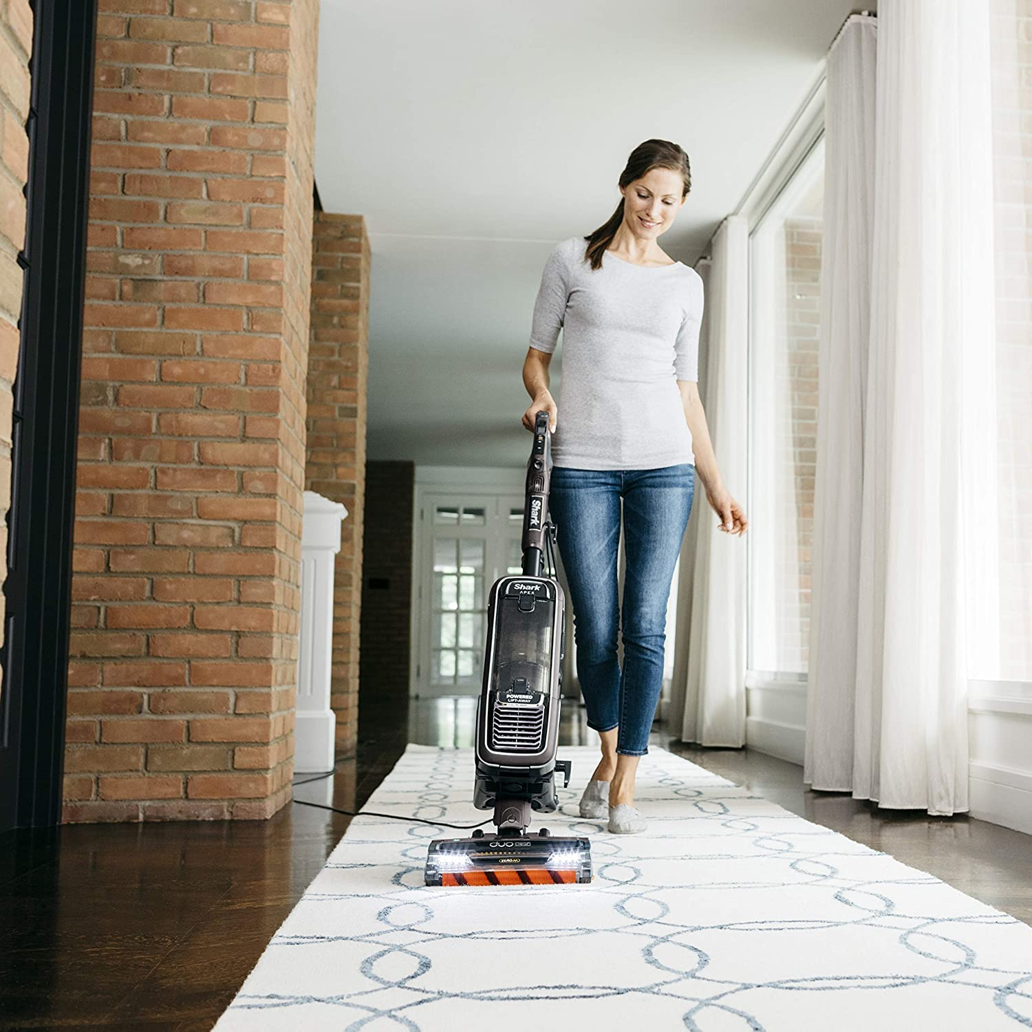 Renewed Espresso Zero-M Anti-Hair Wrap Shark APEX Upright Vacuum with DuoClean for Carpet and HardFloor Cleaning Powered Lift-Away with Hand Vacuum AZ1002