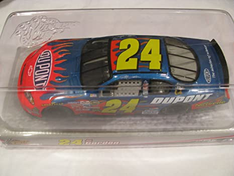 Amazon 2006 Jeff Gordon 24 Dupont Monte Carlo Flames 1 24