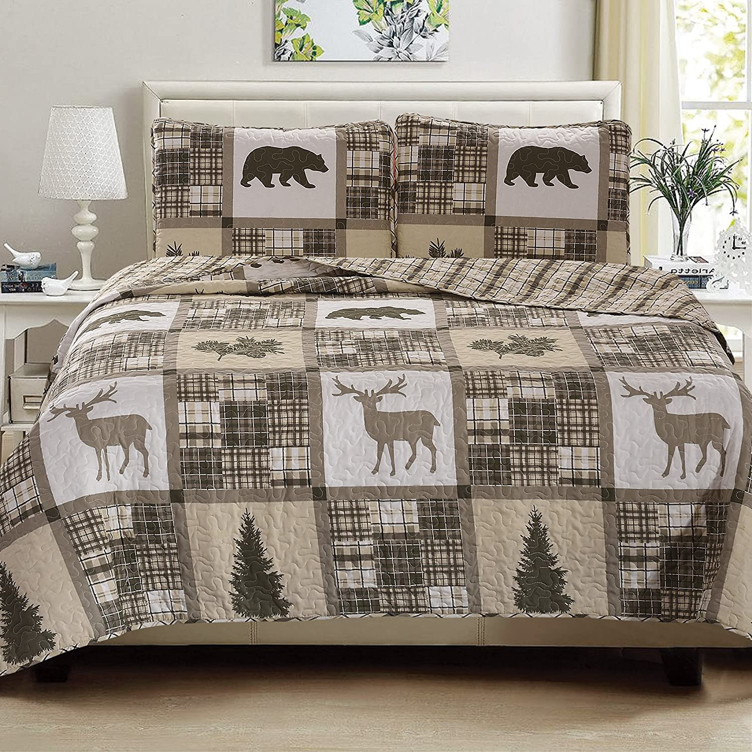 Great Bay Home 3-Piece Lodge Quilt Set with Shams. Durable Cabin Bedspread and Shams with Rustic Printed Pattern