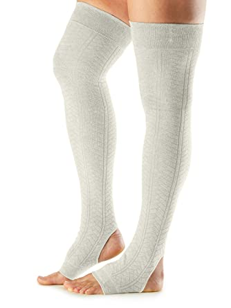 67f2ef665 Amazon.com  ToeSox Women s Wool Thigh High Ribbed Knit Leg Warmers  (Oatmeal) One Size  Clothing