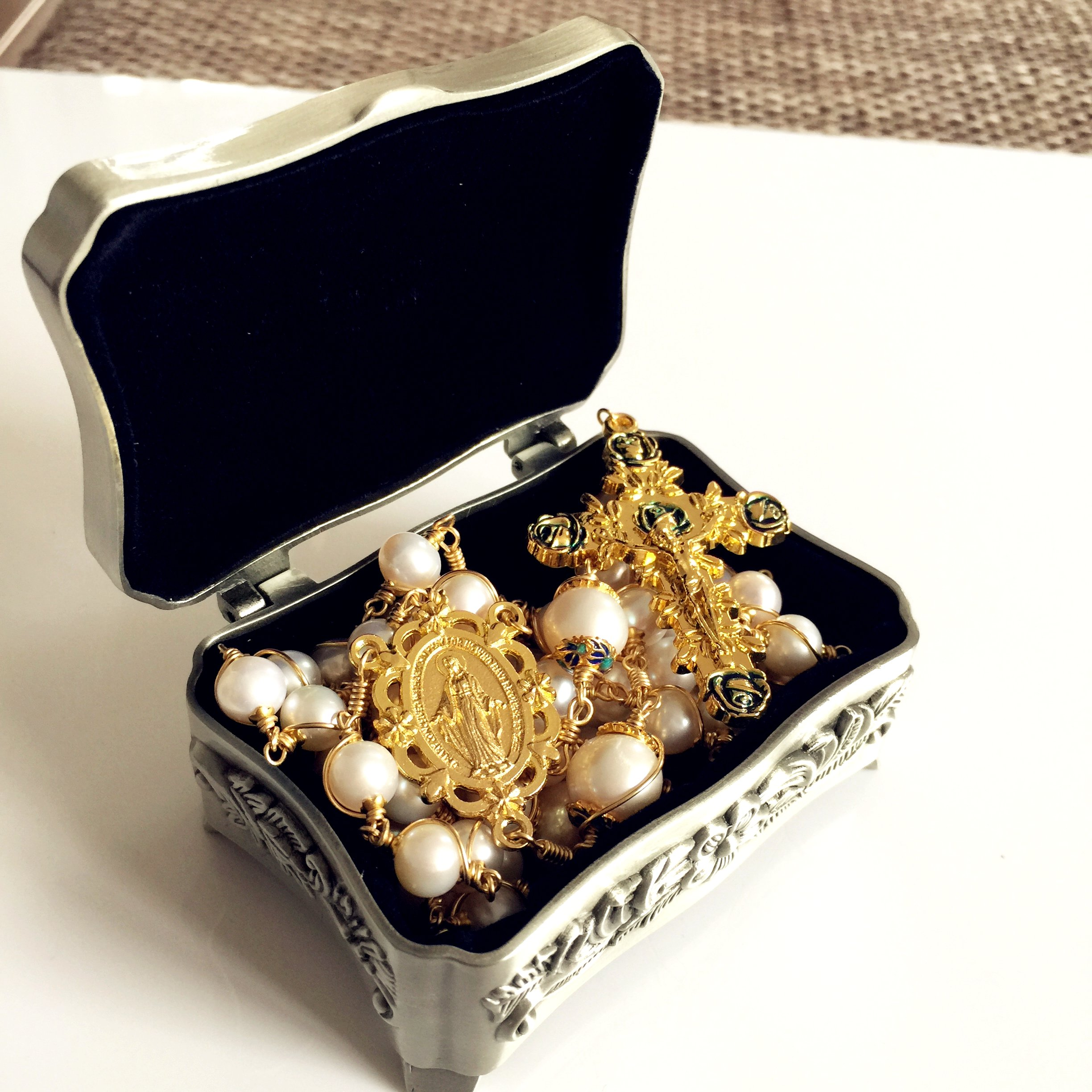 elegantmedical Handmade Rosary Plated Gold Wire Wrapped Bead AAA+ White Real Pearl Catholic Necklace Cross Gift Box by elegantmedical (Image #3)