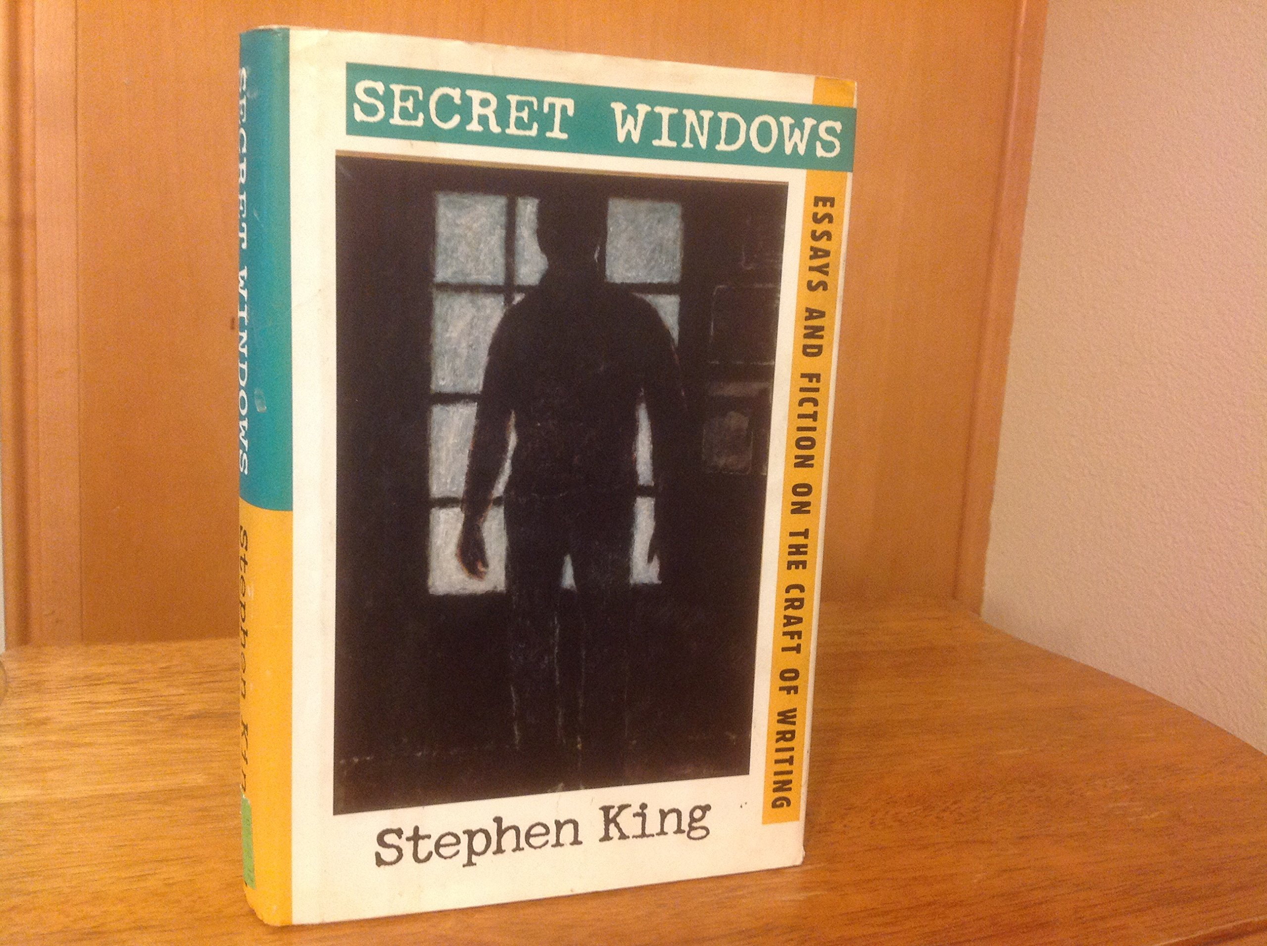 secret windows essays and fiction on the craft of writing secret windows essays and fiction on the craft of writing stephen king peter straub 9780965006439 amazon com books