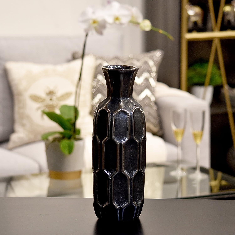 Urban Trends Ceramic Round Short Neck and Embossed Hexagonal Design Body SM Distressed Finish Silver Vase