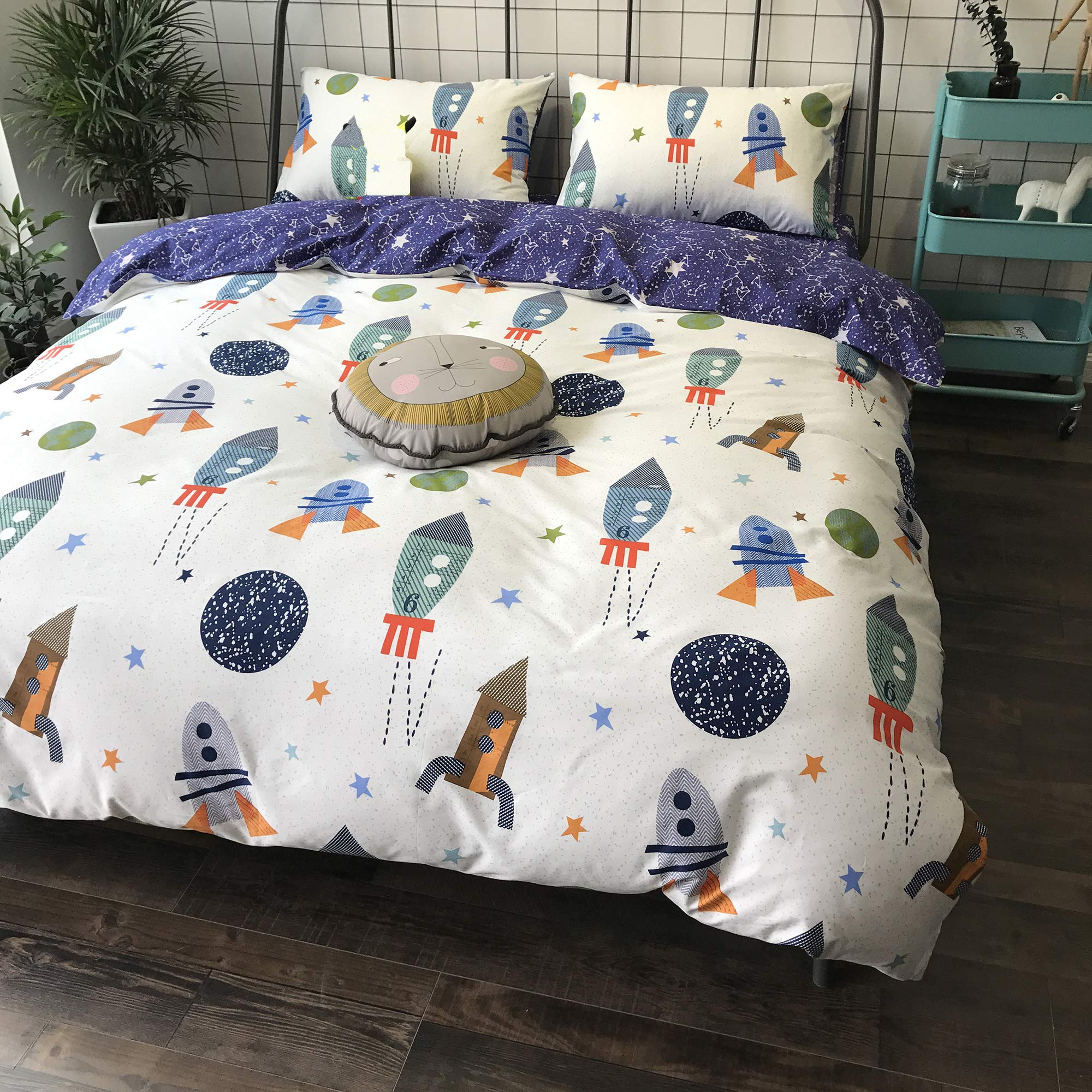 karever Space Rocket Print Cotton Boys Duvet Cover Sets Twin White Blue Universe Adventure Theme Star Kids Girls Bedding Sets with 2 Pillowcases Zipper Gifts