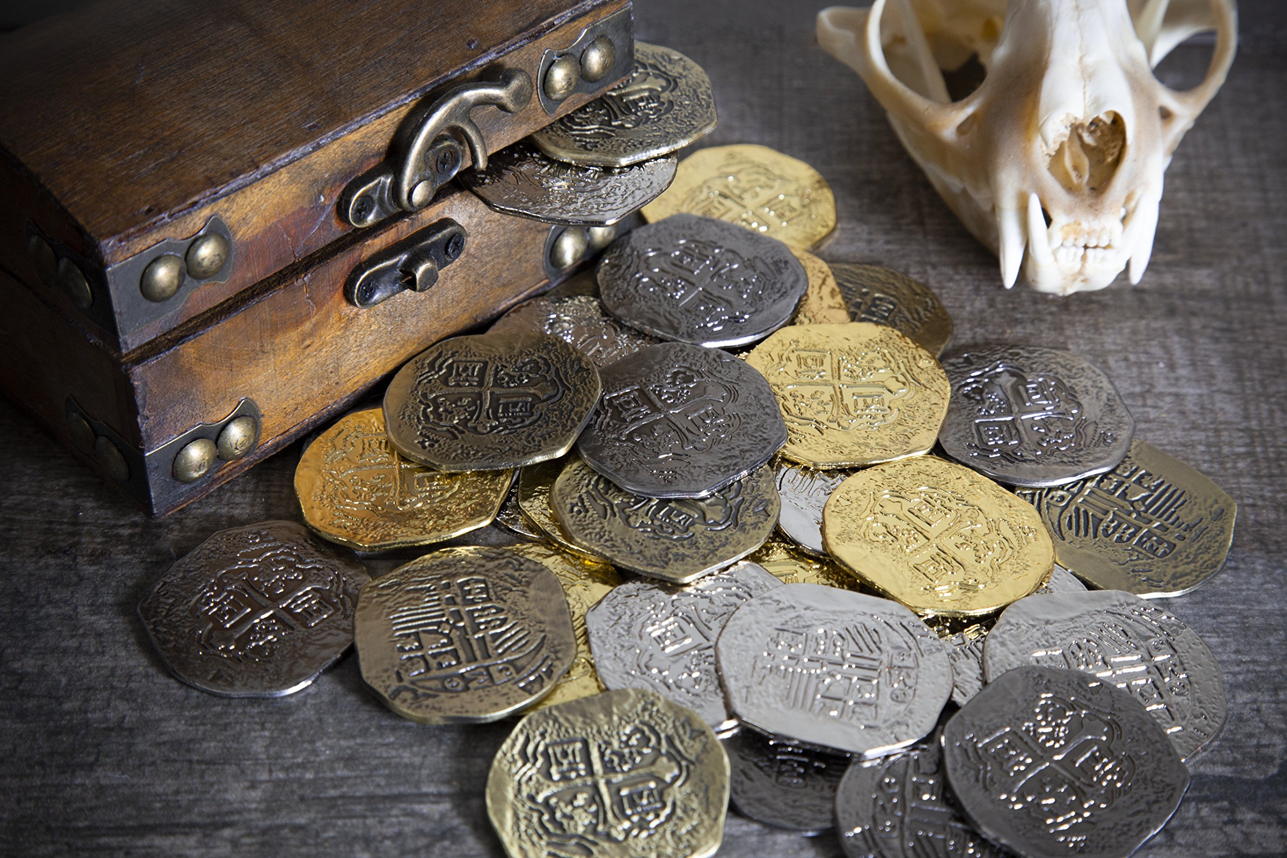 Extra Large Metal Pirate Treasure Coins - 100 Gold and Silver Doubloon Replicas - Toy Pirate Coins by Beverly Oaks (Image #3)