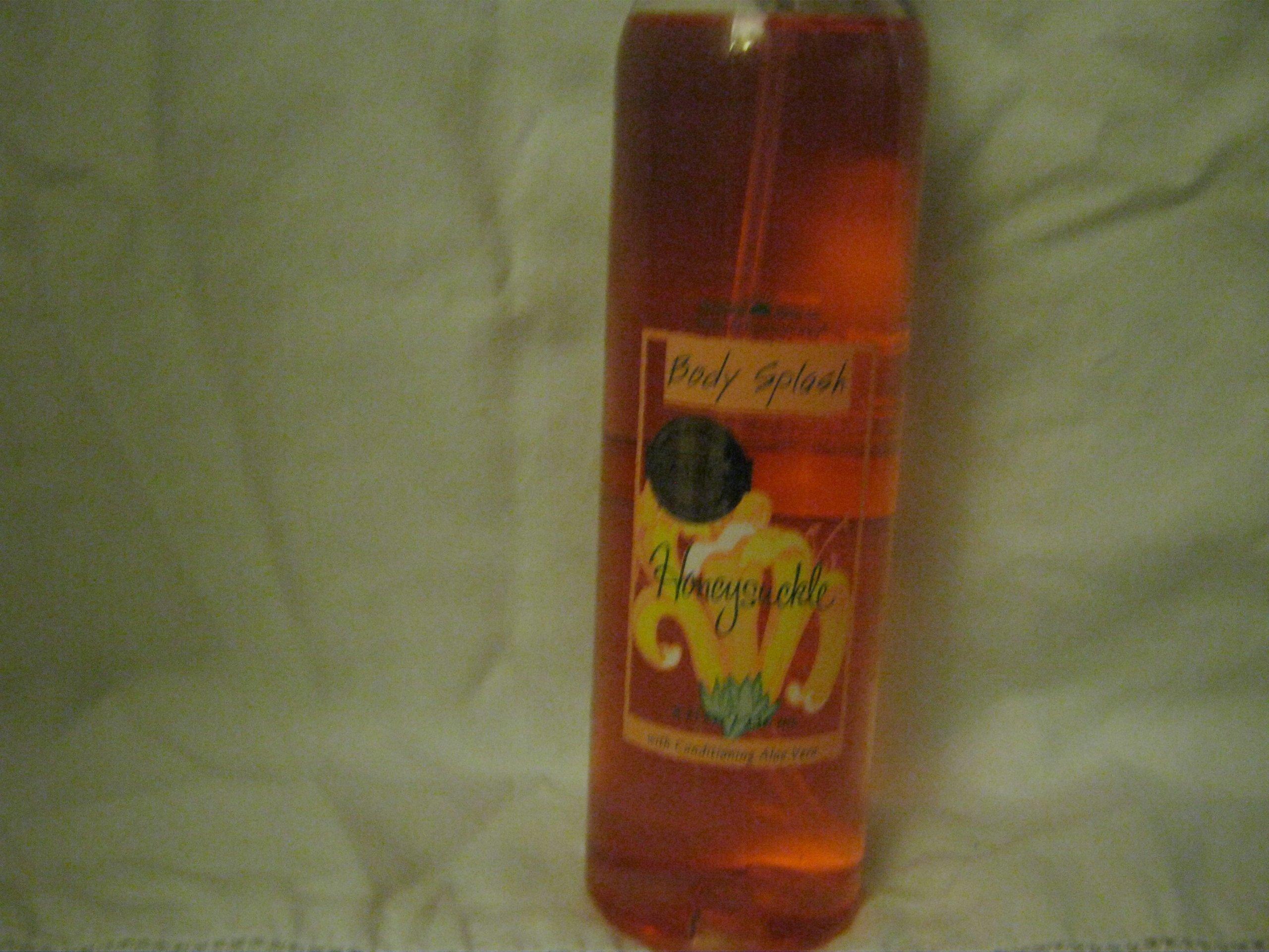 Bath & Body Works Original Honeysuckle Body Splash Rare & Discontinued!