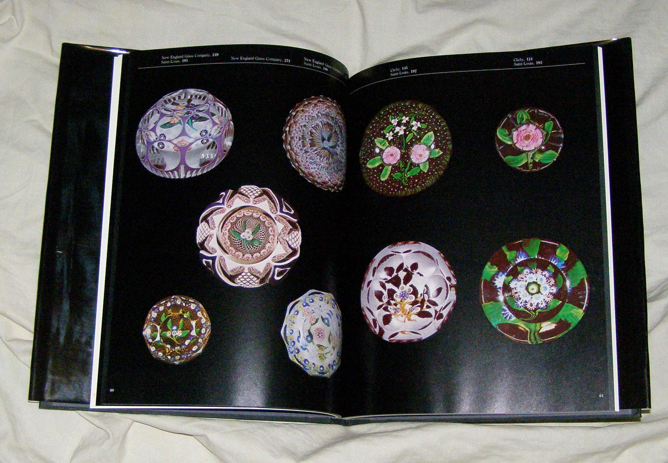 paperweights-flowers-which-clothe-the-meadows