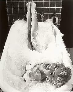 Marilyn Monroe Bubble Bath Poster Art Home Bathroom Decor Posters Vivid Imagery Laminated Poster Print-17 Inch by 22 Inch Laminated Poster With Bright Colors And Vivid Imagery