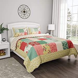 Lavish Home Collection 3-Piece Quilt and Sham Set – Hypoallergenic and Soft Microfiber Sweet Dreams Patchwork Pastel Floral Print All-Season Bedding (Full/Queen)