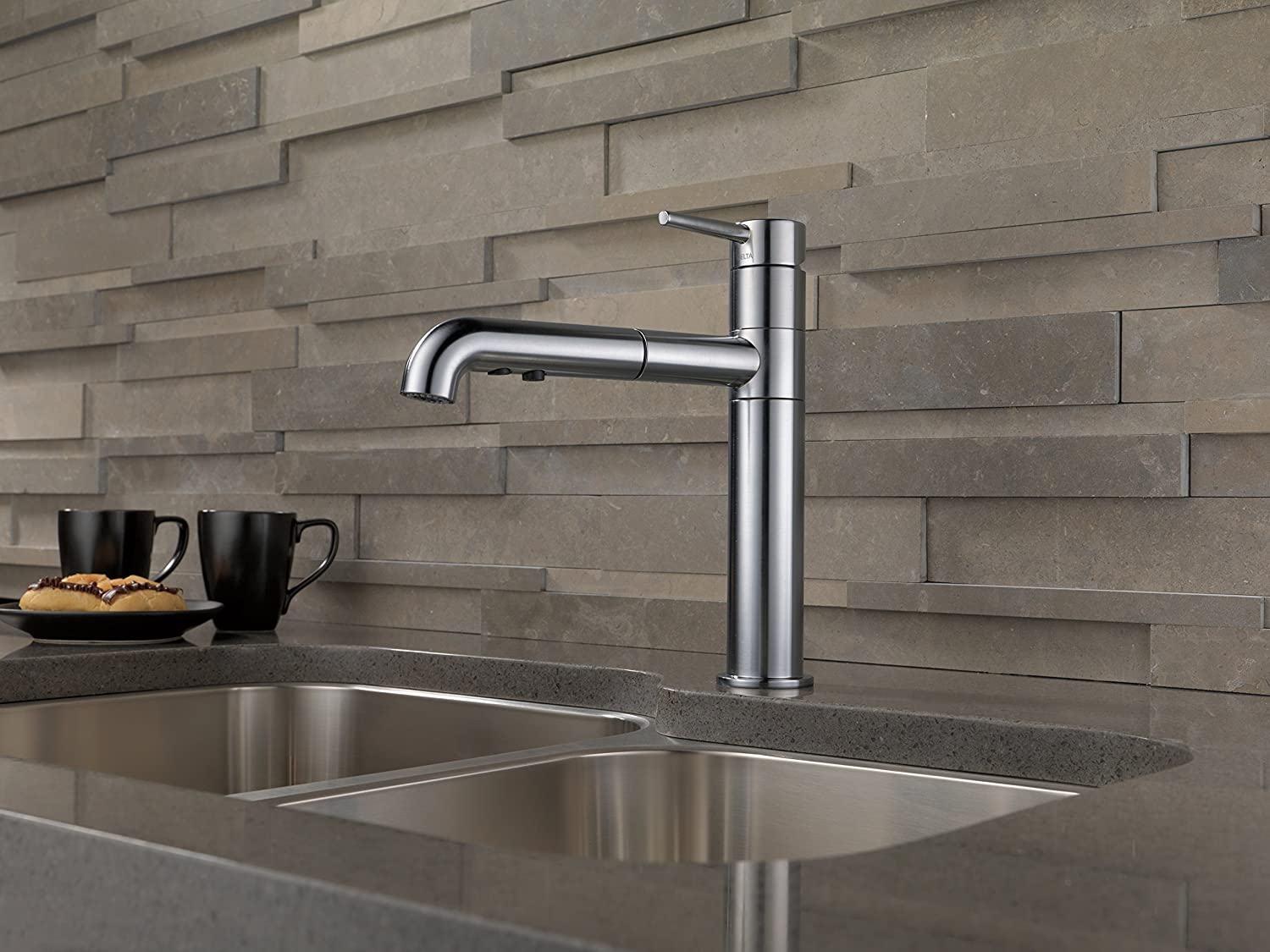 Delta Faucet 4159-AR-DST Signature Single Handle Pull-Out Kitchen ...