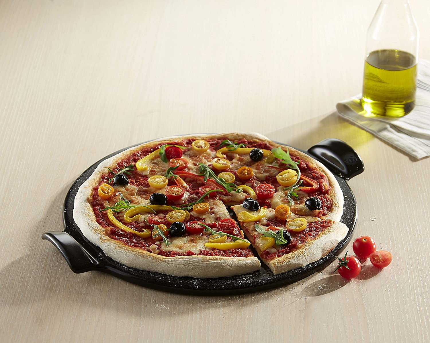 Bed bath beyond pizza stone - Amazon Com Emile Henry Made In France Flame Top Pizza Stone Black Perfect For Pizzas Or Breads In The Oven On Top Of The Bbq