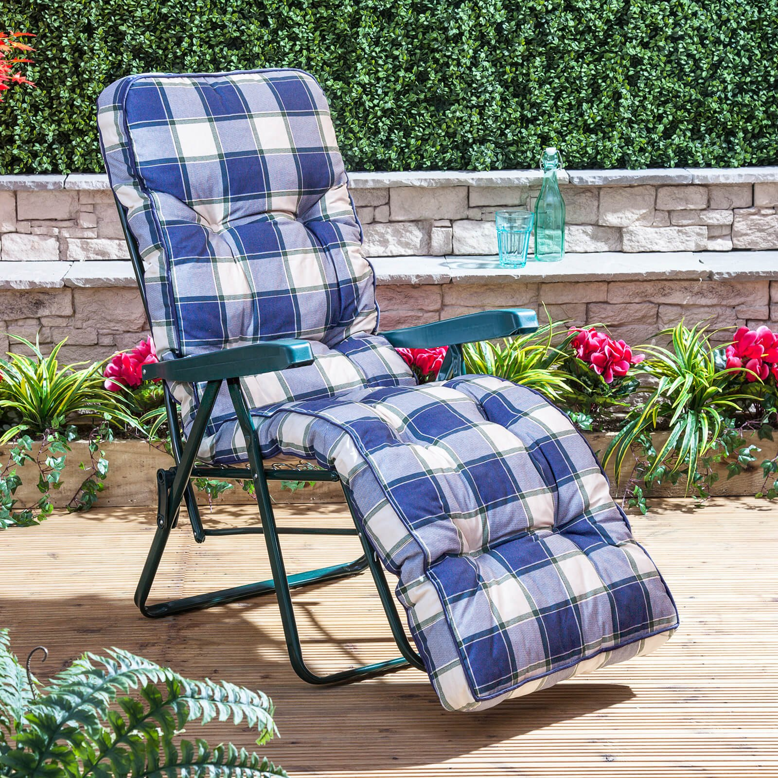 Alfresia Relaxer Chair Green Frame with Classic Blue Check Cushion