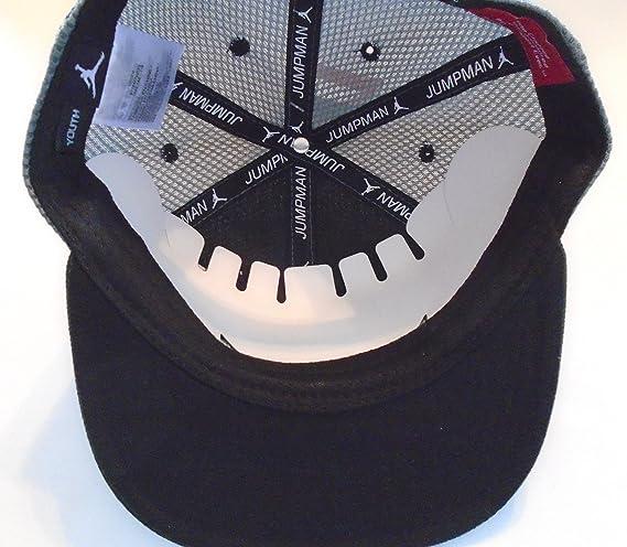 39a37cb2ecc5cd NIKE Jordan Elite Jersey Mesh Varsity Snapback Hat Court Cap (Wolf  Grey Black) YOUTH 8-20  Amazon.co.uk  Clothing