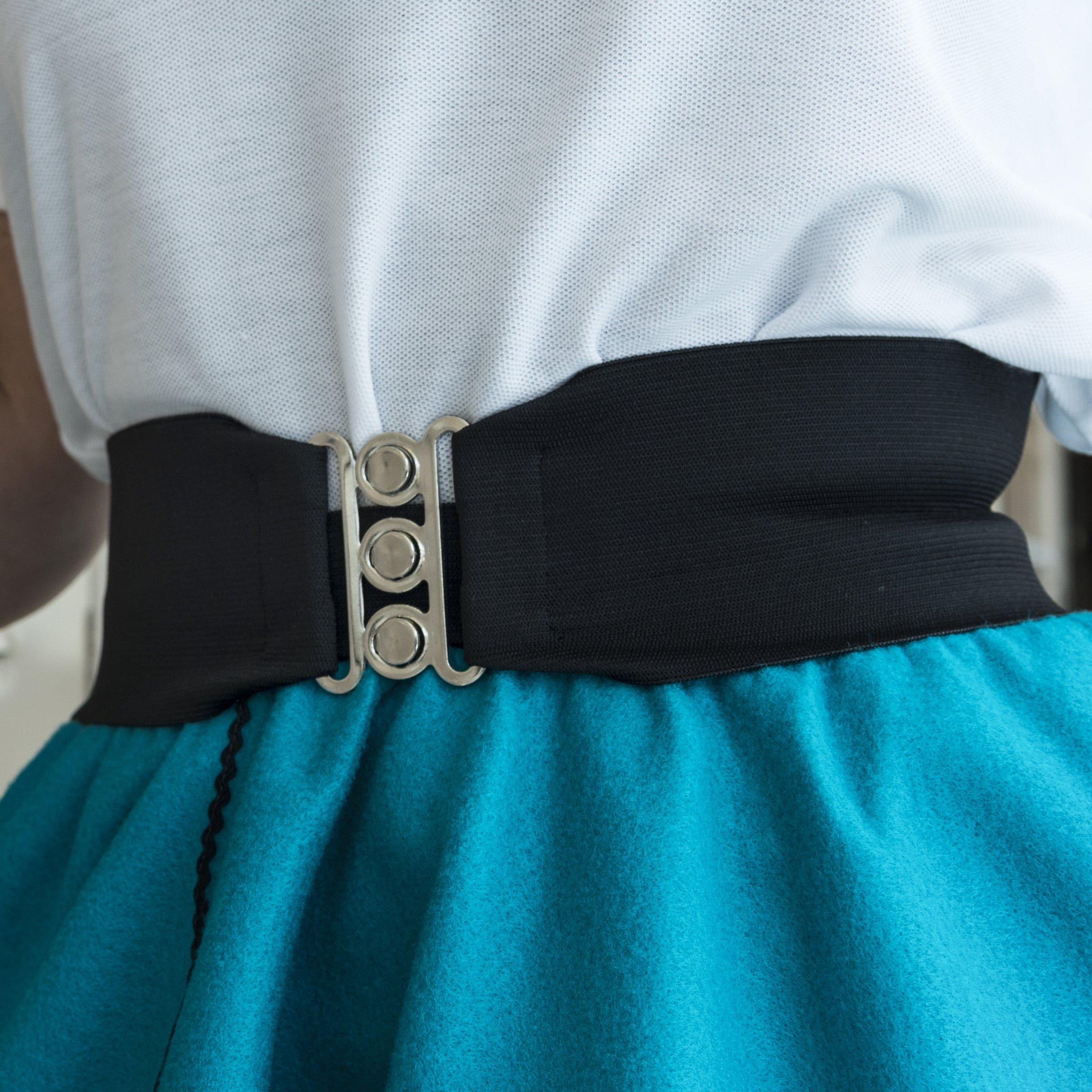 "Silver Clasp 50s Style Cinch 3"" Wide Elastic Belt for Women Junior and Plus Sizes Black M/L by Hip Hop 50s Shop (Image #3)"
