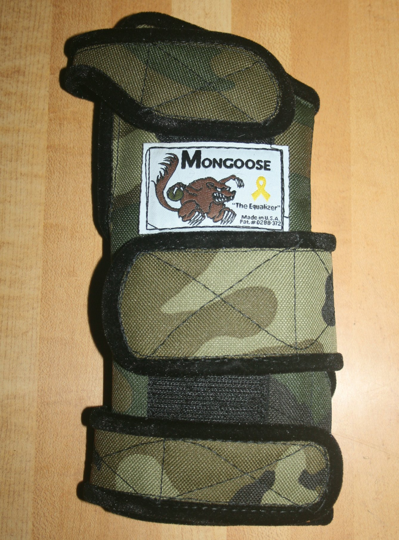 Mongoose ''Equalizer Bowling Wrist Support Right Hand, Medium, Camo