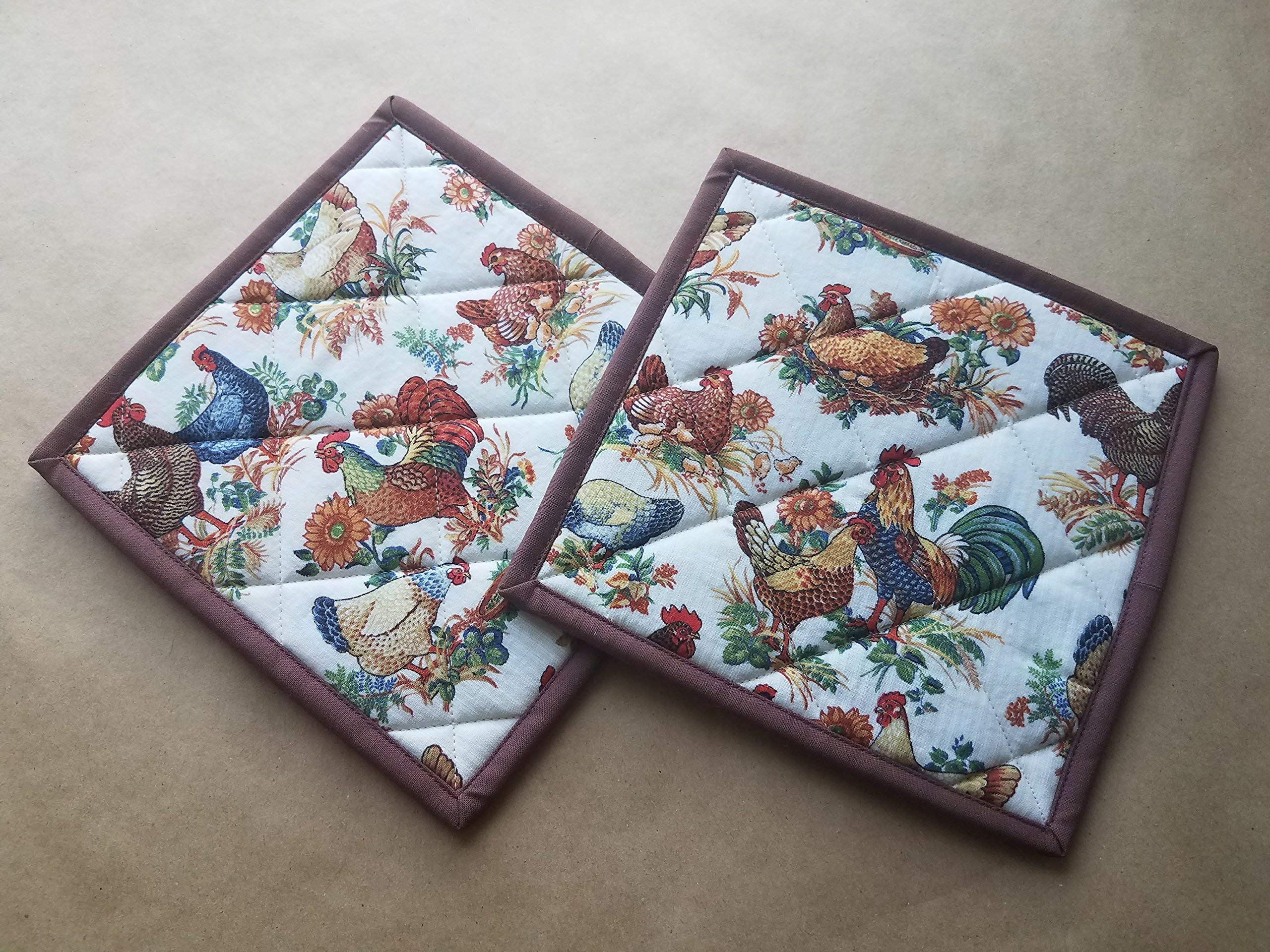 Chickens Quilted Potholders, Set of 2, Vintage Chicken, Rooster, Hen, Chick Insulated Hot Pads, Trivets, Chooks, Farmhouse, Rustic Country Kitchen Decor, Chicken Themed Kitchen Gifts