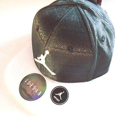 8c5ea5379d5b3 Nike Jordan  23 Flow Motion Snapback Cap Infant 12-24 Months Hat (Classic  Black White)  Amazon.co.uk  Clothing